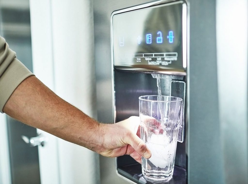 رفع بوی نامطبوع داخل یخچال و طعم گرفتن آب